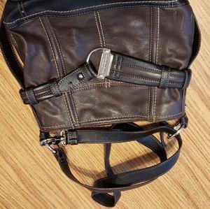 Tignanello ladies purse very nice
